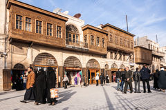 阿勒颇,叙利亚,在街道上的人们在阿勒颇的历史中心 免版税库存照片