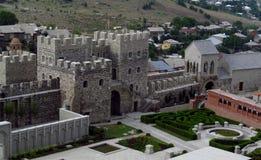 阿哈尔齐赫镇堡垒在乔治亚在一多云天 免版税库存照片