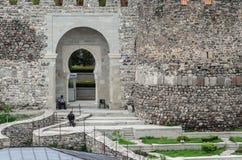 阿哈尔齐赫,乔治亚- 04 05 2017年:在Rabath的看法在阿哈尔齐赫,乔治亚加强了墙壁 被更新的中世纪城堡 库存图片