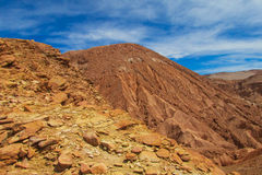 阿塔卡马沙漠山坡 免版税库存图片