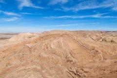 阿塔卡马沙漠干旱的平的土地山 免版税库存照片