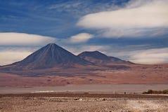 阿塔卡马沙漠juriques licancabur火山 库存照片