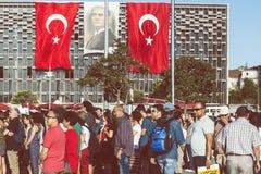 阿塔图尔克Taksim旗子和仪式 免版税库存照片