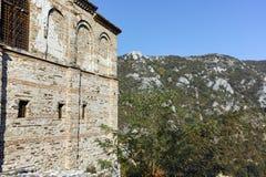 阿塞诺夫格勒,保加利亚- 2016年10月1日:Asen ` s堡垒,阿塞诺夫格勒,保加利亚秋天视图  库存照片