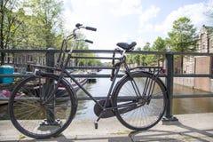 阿姆斯特丹、运河和居住船 免版税库存照片