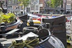 阿姆斯特丹、运河和驳船 图库摄影