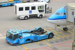 阿姆斯特丹史基浦机场荷兰- 2018年4月14日:KLM飞机 免版税库存照片