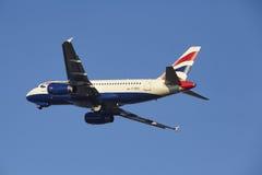 阿姆斯特丹史基浦机场-英国航空公司空中客车A319离开 库存图片