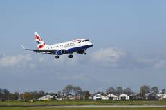 阿姆斯特丹史基浦机场-巴西航空工业公司英国航空公司CityFlyer土地ERJ-170  库存照片