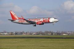 阿姆斯特丹史基浦机场- Jet2波音737土地 免版税图库摄影