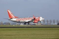 阿姆斯特丹史基浦机场- Jet2波音737土地 免版税库存照片