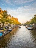 阿姆斯特丹城市场面在晚上 免版税图库摄影