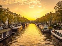 阿姆斯特丹城市场面在晚上 库存图片