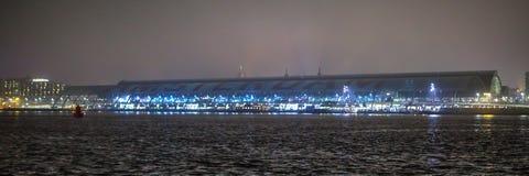 阿姆斯特丹城市视域在晚上 城市风景全视图  图库摄影