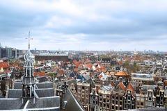 阿姆斯特丹如被看见从Oude Kerk 库存图片