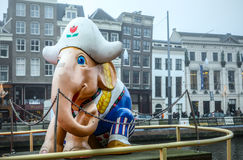 阿姆斯特丹市中心著名大厦和地方多云天 免版税库存图片