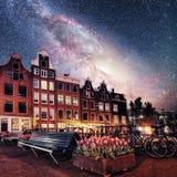 阿姆斯特丹市美好的镇静夜视图  照片贺卡 库存图片