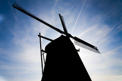 阿姆斯特丹有历史的剪影风车 免版税库存图片