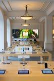 阿姆斯特丹苹果计算机商店内部 图库摄影