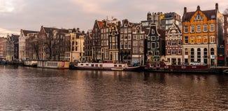 阿姆斯特丹荷兰建筑学在中心 图库摄影