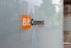 07/06/19阿姆斯特丹荷兰网设计师公司在阿姆斯特丹有名字和臭名昭著的bitconnect cryptocurrency一样 免版税库存图片