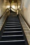阿姆斯特丹荷兰陡峭旅馆的楼梯 免版税库存照片