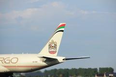 阿姆斯特丹荷兰- 2017年7月6日, :A6-DDB阿联酋联合航空波音777-FFX 库存图片