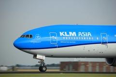 阿姆斯特丹荷兰- 2017年7月6日, :PH-BVC KLM荷兰皇家航空公司波音777-300 免版税库存图片