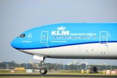 阿姆斯特丹荷兰- 2017年7月6日, :PH-BVS KLM荷兰皇家航空公司波音777-300 免版税图库摄影