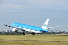 阿姆斯特丹荷兰- 2017年7月6日, :PH-BVS KLM荷兰皇家航空公司波音777-300 免版税库存图片
