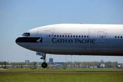 阿姆斯特丹荷兰-第4 2018年:B-KQE国泰波音777-300 库存照片