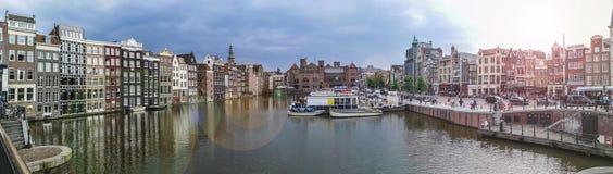 阿姆斯特丹运河Centraal驻地 免版税库存照片
