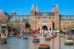 阿姆斯特丹,与Rijksmuseum的I阿姆斯特丹标志在后面 库存图片
