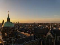阿姆斯特丹,有历史大厦和运河的荷兰建筑学  库存图片