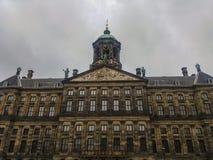 阿姆斯特丹,有历史大厦和运河的荷兰建筑学  免版税库存照片
