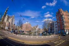 阿姆斯特丹,荷兰, 2018年3月, 10 :优秀大学毕业生广场购物中心门面室外看法在阿姆斯特丹的心脏 图库摄影