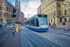 阿姆斯特丹,荷兰, 2018年3月, 10 :它被管理阿姆斯特丹电车的华美的室外看法是电车网络 免版税库存图片