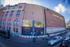 阿姆斯特丹,荷兰, 2018年3月, 10 :Heineke啤酒厂大厦,海涅肯经验博物馆室外看法  库存照片