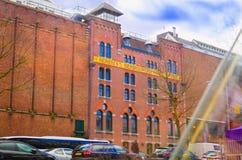 阿姆斯特丹,荷兰, 2018年4月, 23 :Heineke啤酒厂大厦,海涅肯经验博物馆室外看法  免版税库存照片