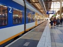 阿姆斯特丹,荷兰- 2018年10月5日:乘客旅行  库存图片