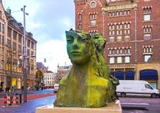 阿姆斯特丹,荷兰- 2017年12月14日:现代雕塑 库存照片