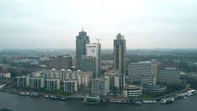 阿姆斯特丹,荷兰- 2017年12月29日 最高的办公室摩天大楼的鸟瞰图在Omval事务内的 免版税库存照片