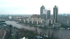 阿姆斯特丹,荷兰- 2017年12月29日 空中射击城市-伦布兰特的最高的办公室摩天大楼 库存图片