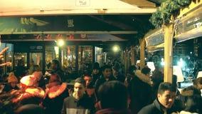 阿姆斯特丹,荷兰- 2017年12月28日 Cristmas在Museumplein的食物和饮料摊位在晚上 库存图片