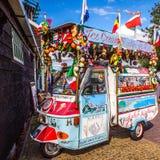 阿姆斯特丹,荷兰- 2016年8月15日:可笑的汽车用果子 阿姆斯特丹-荷兰 免版税库存照片