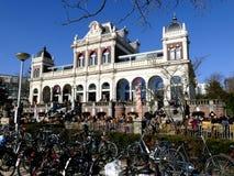 阿姆斯特丹,荷兰- 2016年3月13日:拥挤VondelCS加州 图库摄影