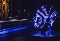 阿姆斯特丹,荷兰- 2015年12月19日:阿姆斯特丹夜运河的轻的设施在轻的节日内的12月19日, 库存照片