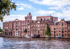 阿姆斯特丹,荷兰- 2016年8月14日:阿姆斯特丹市特写镜头著名工厂厂房  一般风景视图 图库摄影
