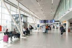 阿姆斯特丹, NETHERLAND - 2017年10月18日:国际阿姆斯特丹史基浦机场内部 Netherland 库存图片