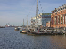 阿姆斯特丹-与Silodam大厦和谷粮仓的口岸 免版税库存图片